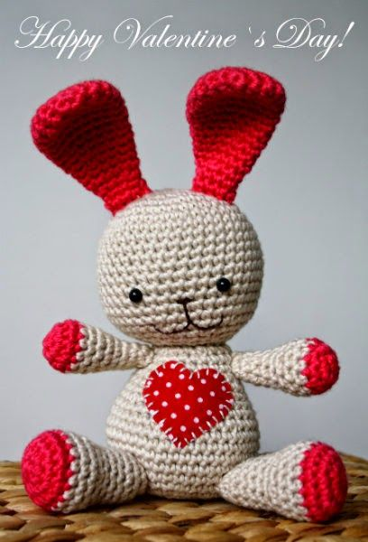 Valentine's Day Heart Bunny (Crochet For Free)