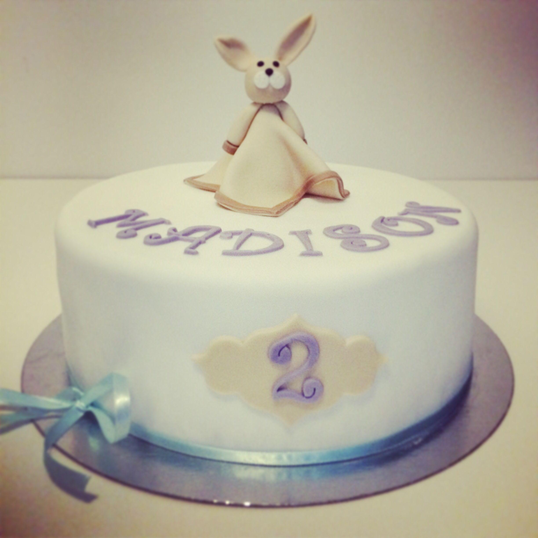 Nimenantojuhlat, ristijäiset, kakku