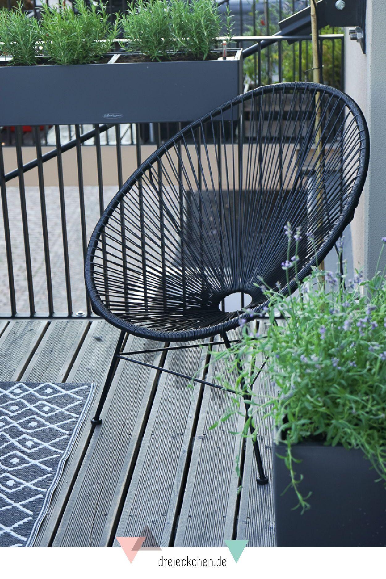 Balkonkasten Mit Selbstbewasserung Wie Deine Pflanzen Den Nachsten Urlaub Uberleben Werbung Balkon Pflanzen Balkon Deko Balkon