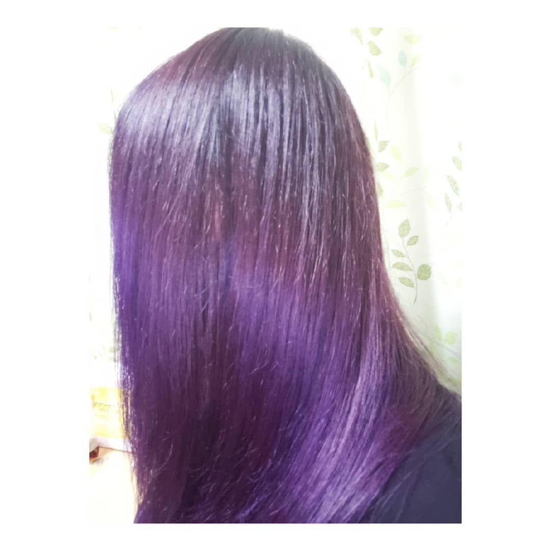 カメラって難しいw実際はもう少し黒寄りの紫 ヘアカラー 紫 ダークトーン カラー 似合わないのに やっちゃう タイプ カラーチェンジ マニパニ カラートリートメント 紫 ヘア