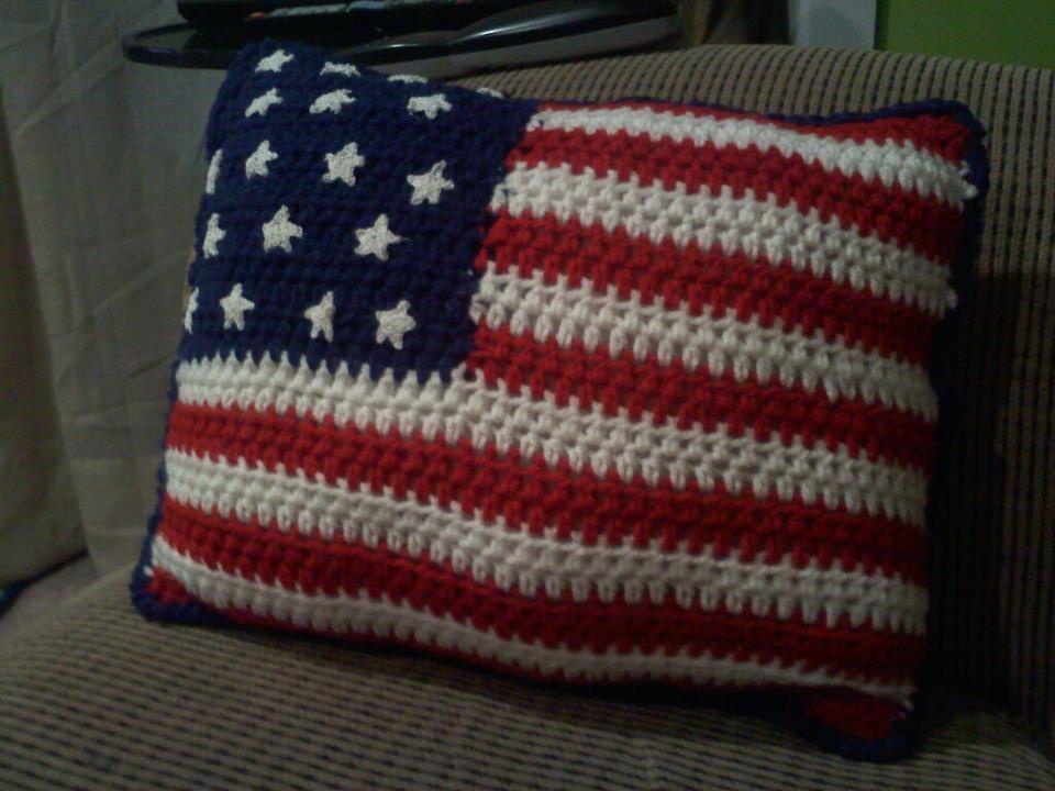 Crochet American flag pillow | crochet | Pinterest
