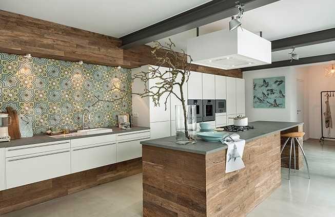 Küche Mit Bunten Wandfliesen Interior Inspiration Pinterest - Welche wandfliesen für die küche