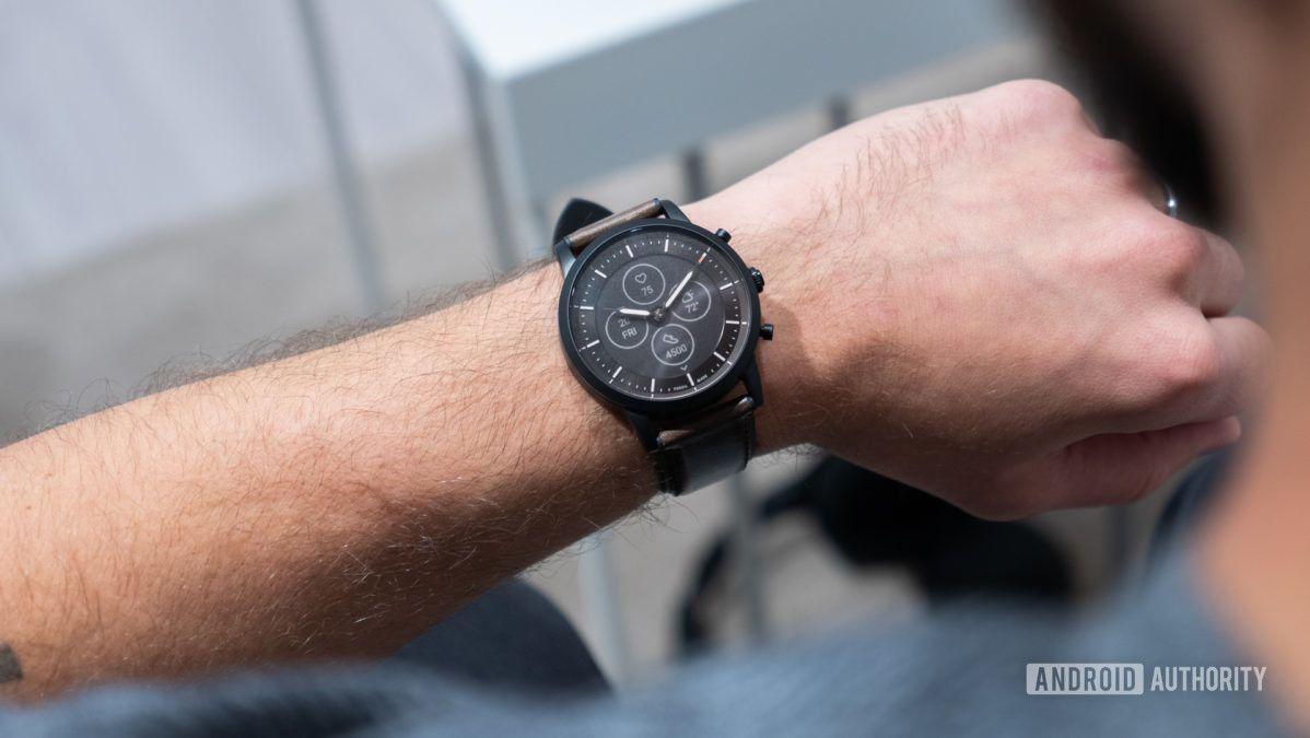 Handson New Fossil hybrid smartwatch has an eink