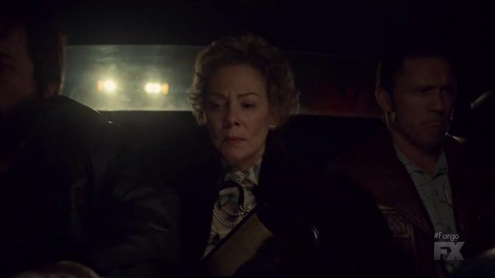 "Fargo 2x04 ""Fear and Trembling"" - Dodd Gerhardt (Jeffrey Donovan) & Floyd Gerhardt (Jean Smart)"