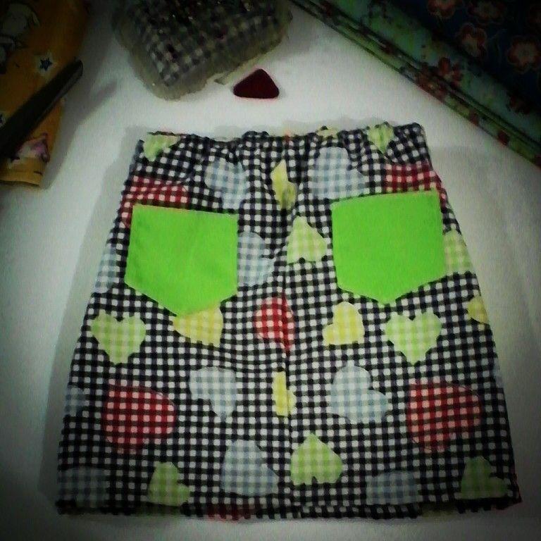 Mini falda Ana,  para niñas talla 4, aurita clara ( parte trasera)