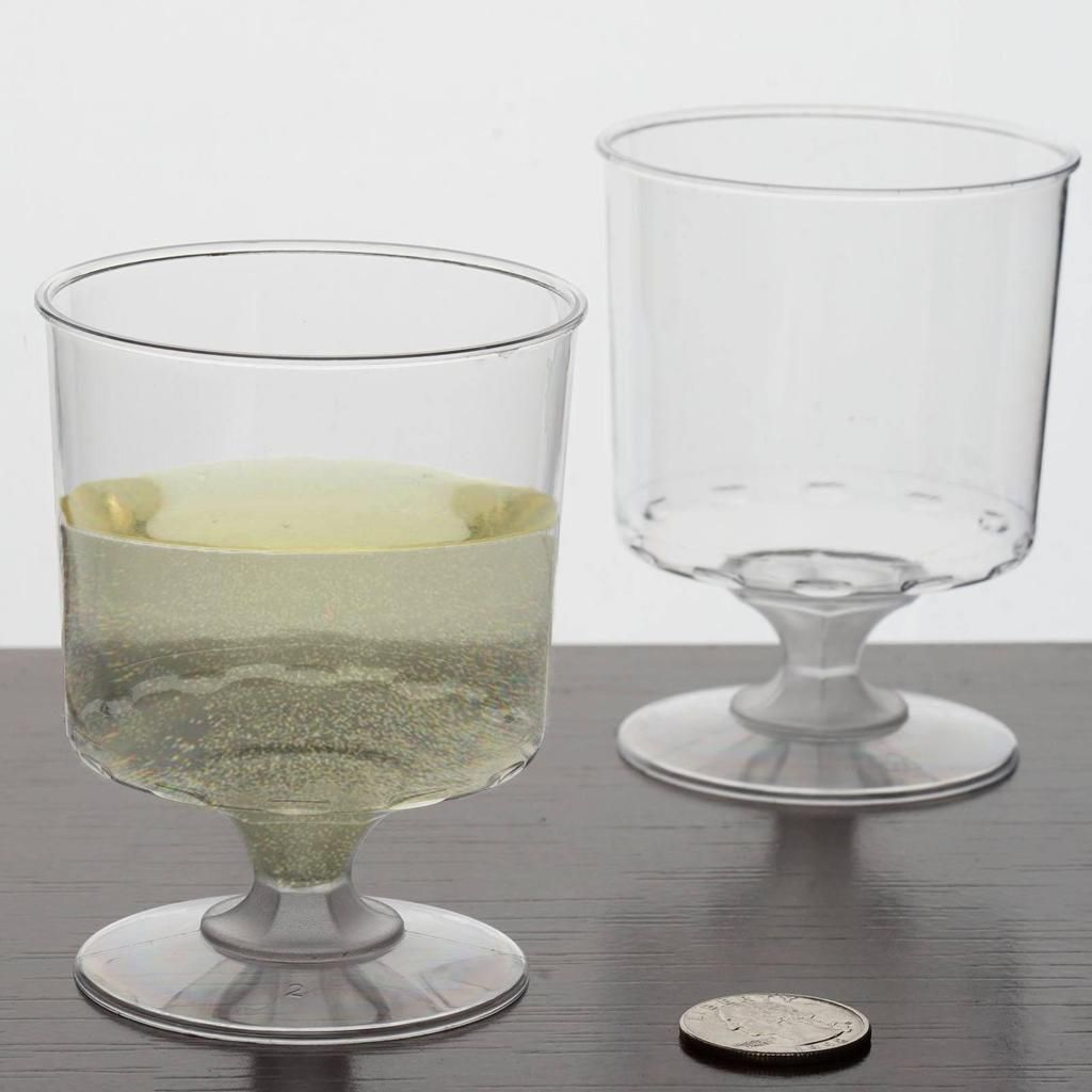 b0d0008adad Look for fine quality disposable party supplies at Tablecloths Factory.com.  Celebrate your big day with our clear plastic champagne glasses and flutes.