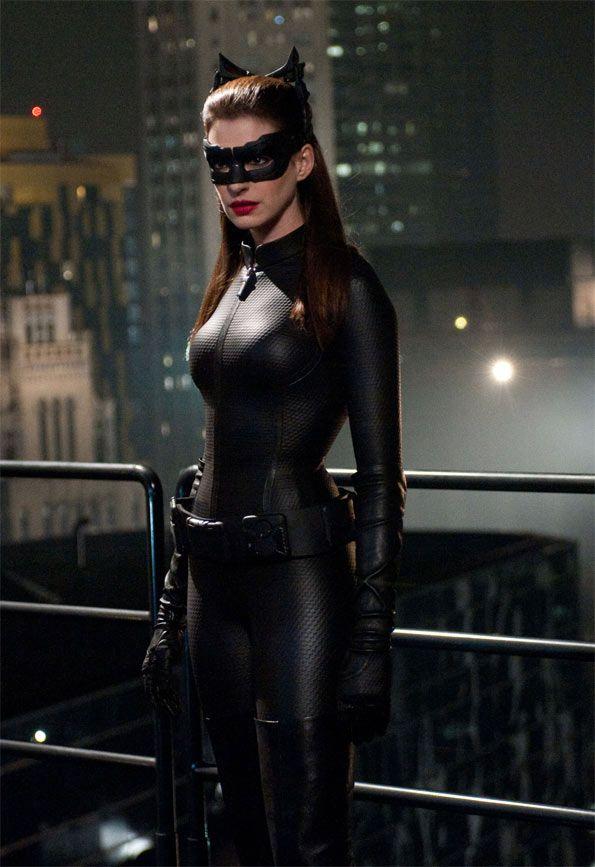 Anne Hathaway durante el rodaje de El Caballero Oscuro: La leyenda renace (Batman 3)