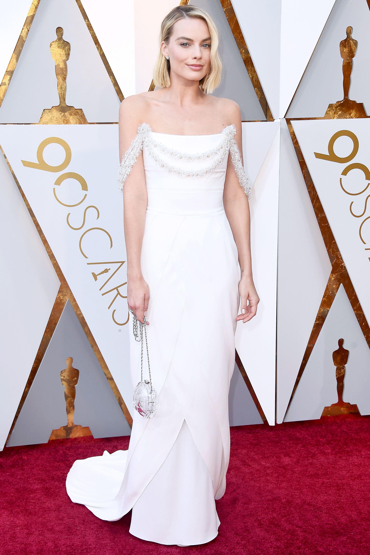 Margot Robbie's Oscars dress took over 600 hours to make