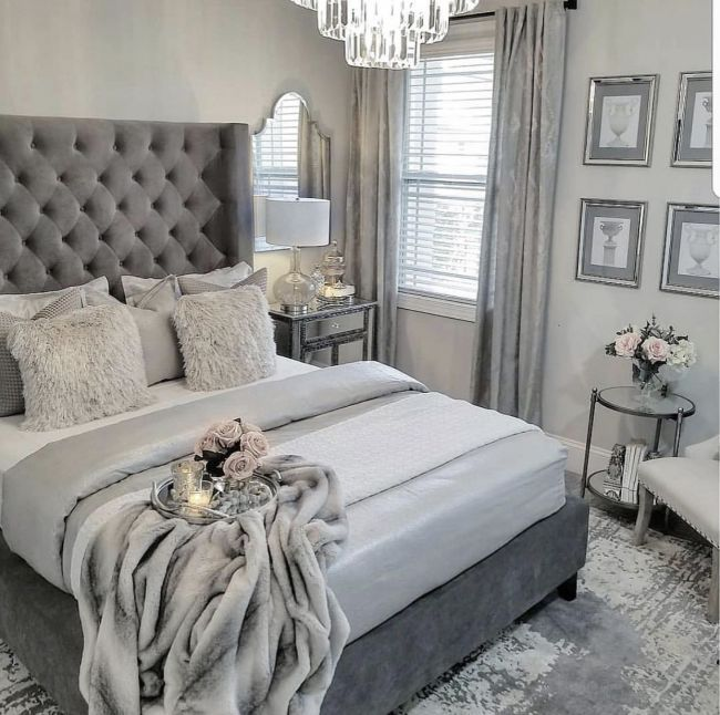 I Like The Sitting Area With Mirror Bedroom Inspirations Bedroom Interior Bedroom Decor