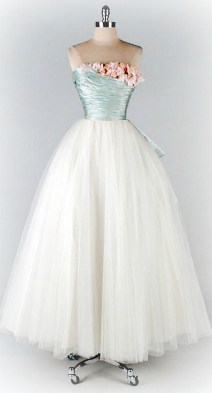 1950s prom dress style