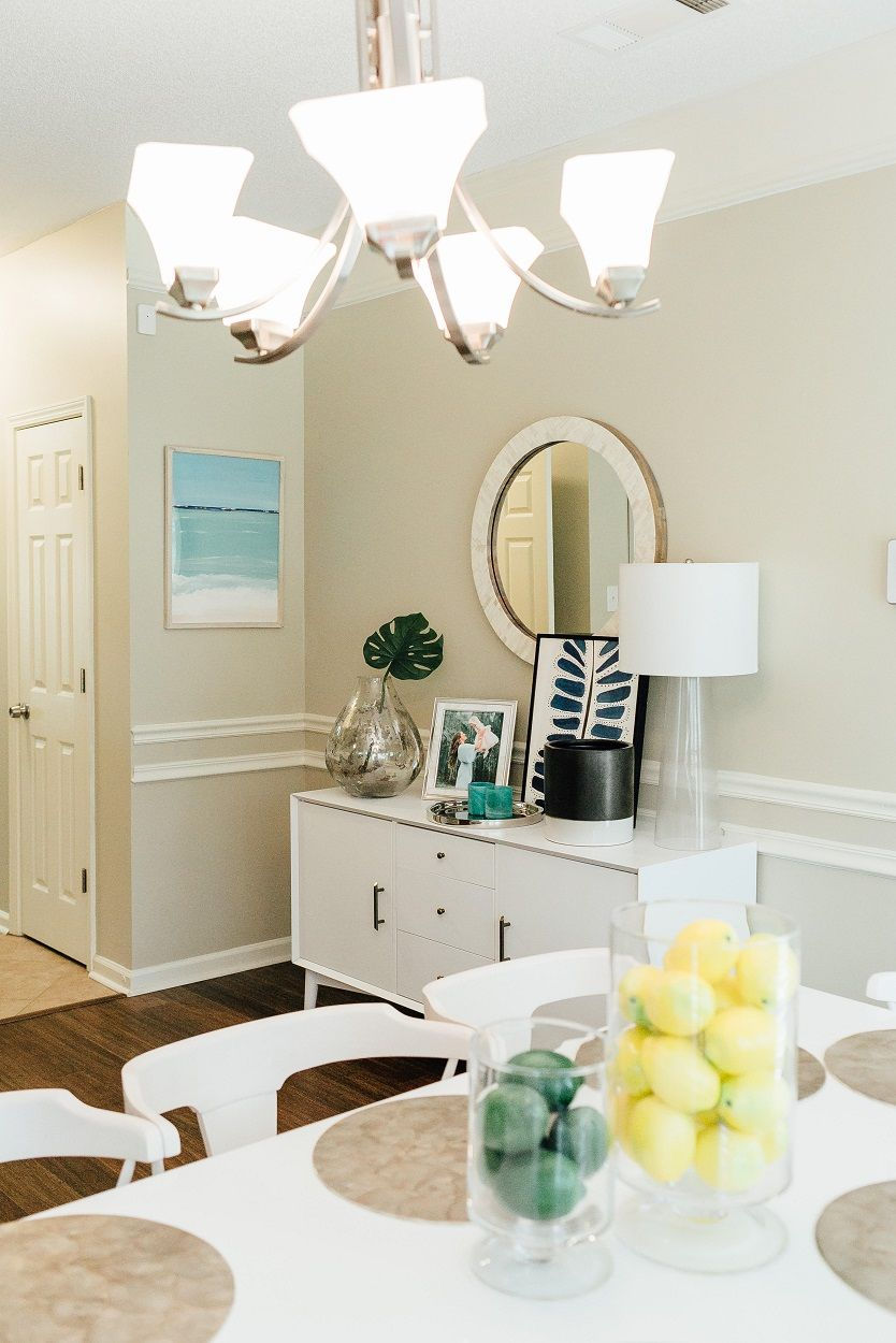 Refreshing summer home decor a summer update to my dining room kitchen walking in memphis in high heels