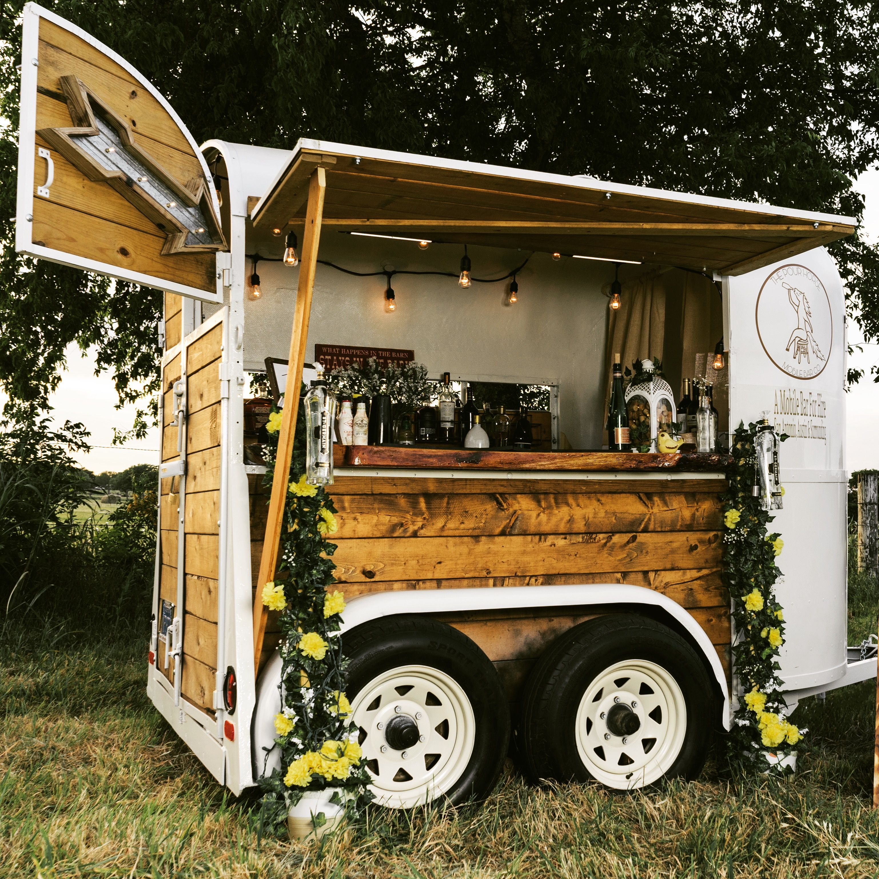 The Pour Horse, mobile bar for hire in Texas Converted