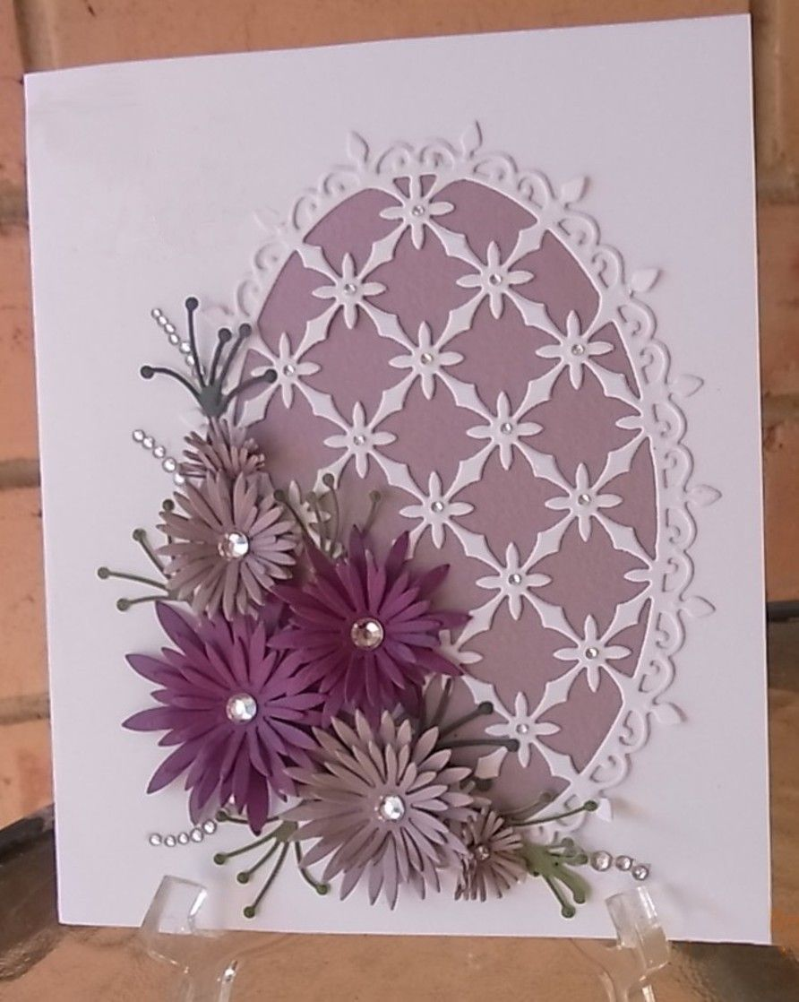 Heartfelt Creations Using Delicate Asters Decorative Oval