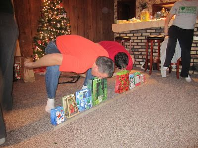 Minute To Win It Christmas Games.Minute To Win It Christmas Edition Christmas Games
