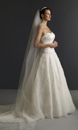 New With Tags Oleg Cassini Wedding Dress Ct258 Size 20 Get A