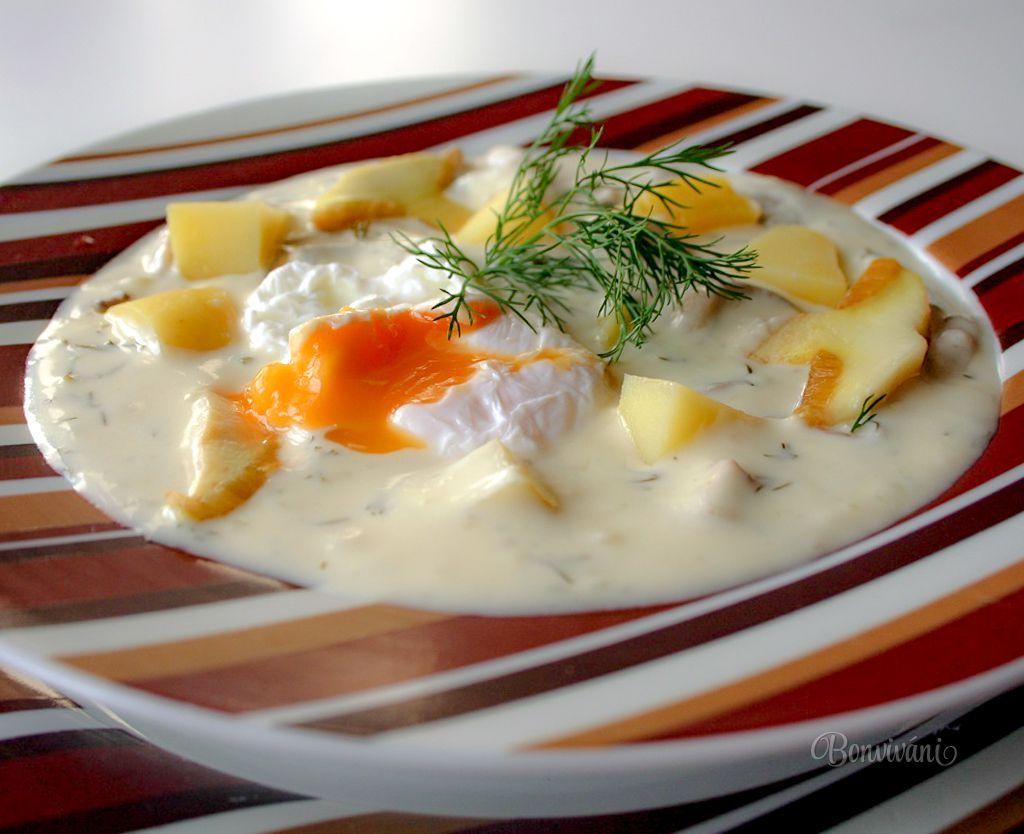 Pýchou juhočeskej kuchyne je táto voňavá skvelá polievka, pripravená zo zemiakov, smotany, húb, vajec a kôpru. Kulajda je sýta polievka a preto sa v niektorých hospodách podáva ako samostatný chod s čerstvým chlebíkom. Jednotný recept na prípravu kulajdy neexistuje, každá rodina, každá dedina má svoju obľúbenú verziu kulajdy.