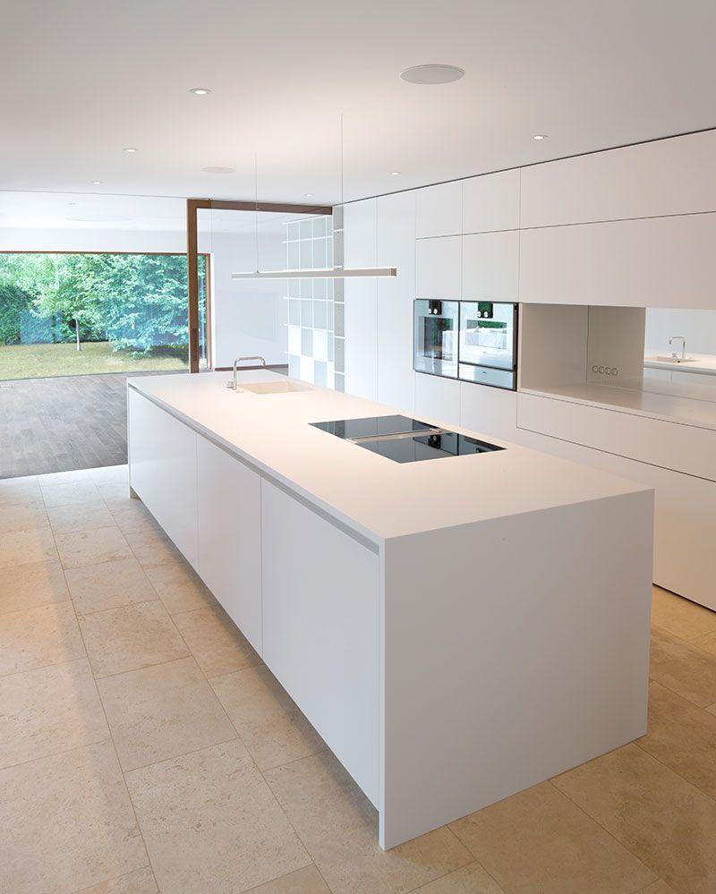 designerküche in lack weiß aus der eigenen schreinerei. die