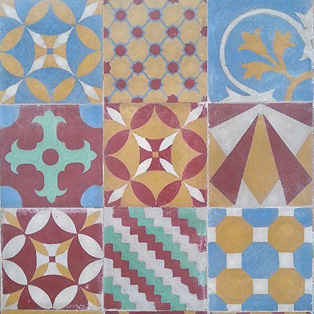 Instagram media by draugustohenrique - Ladrilho hidráulico #arte #cultura #architecture #sertao #cementiles #azules #azulejos #decor #garden #work #juazeirodonorte #cariri #regionalismo