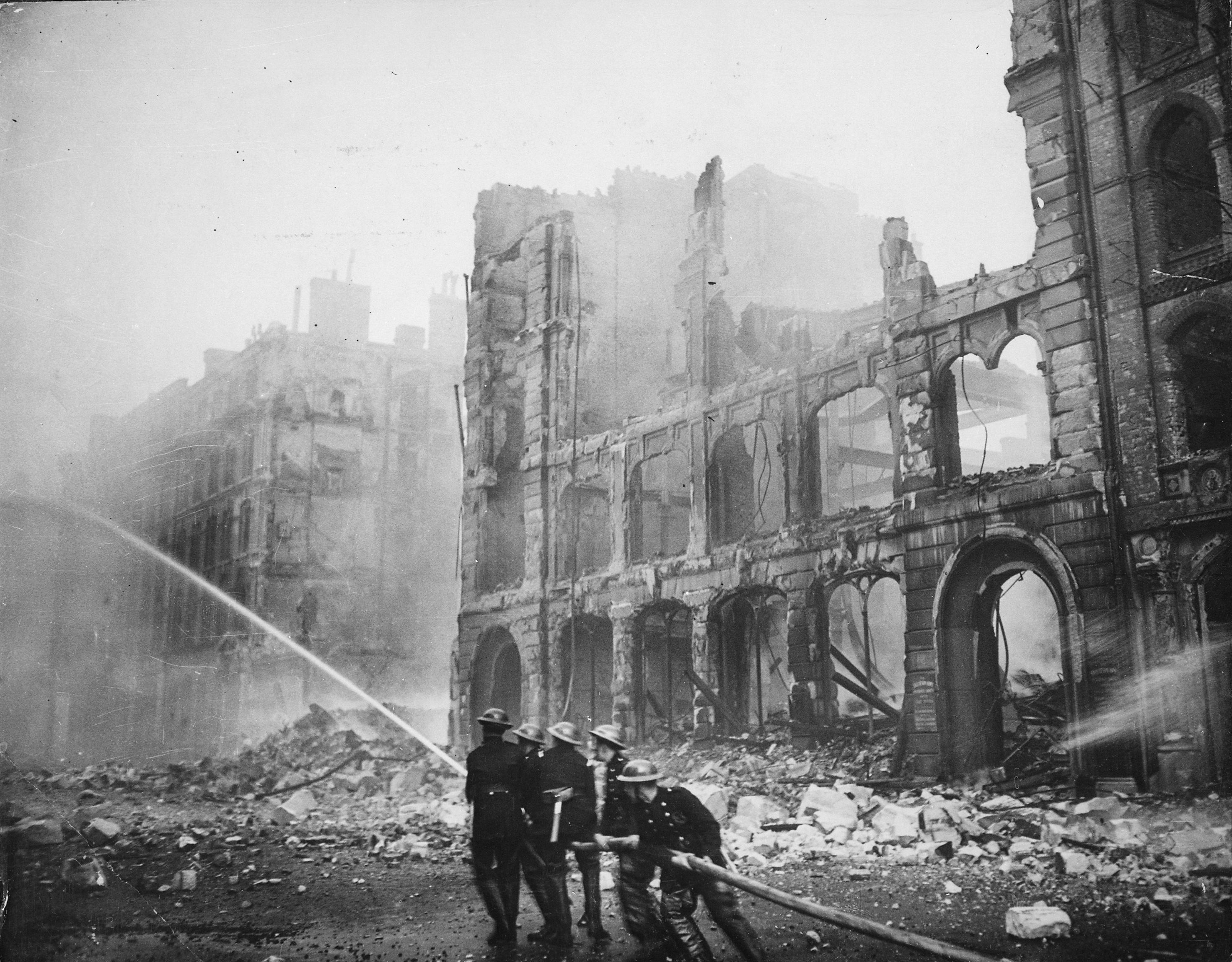 aftermath of the blitz on london still illustrates the idea of