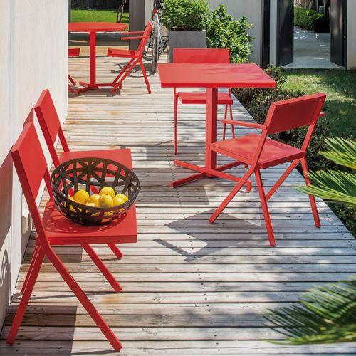 Emu Gartenmöbel stuhl armlehnstuhl und tisch quadratisch jean nouvel für