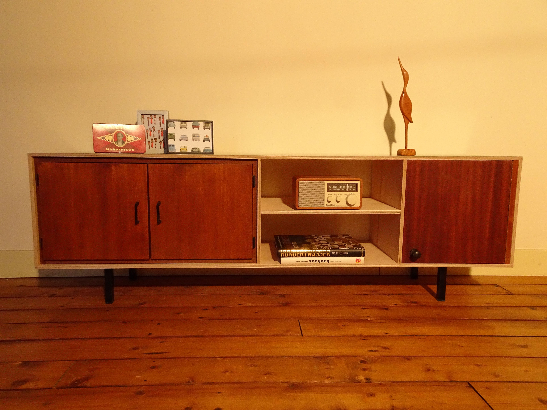 industriëel design tv meubel