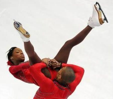 13 Embarrassing Moments in Ice Skating (ice skating pictures) - ODDEE |  Skating pictures, Ice skating pictures, Embarrassing moments