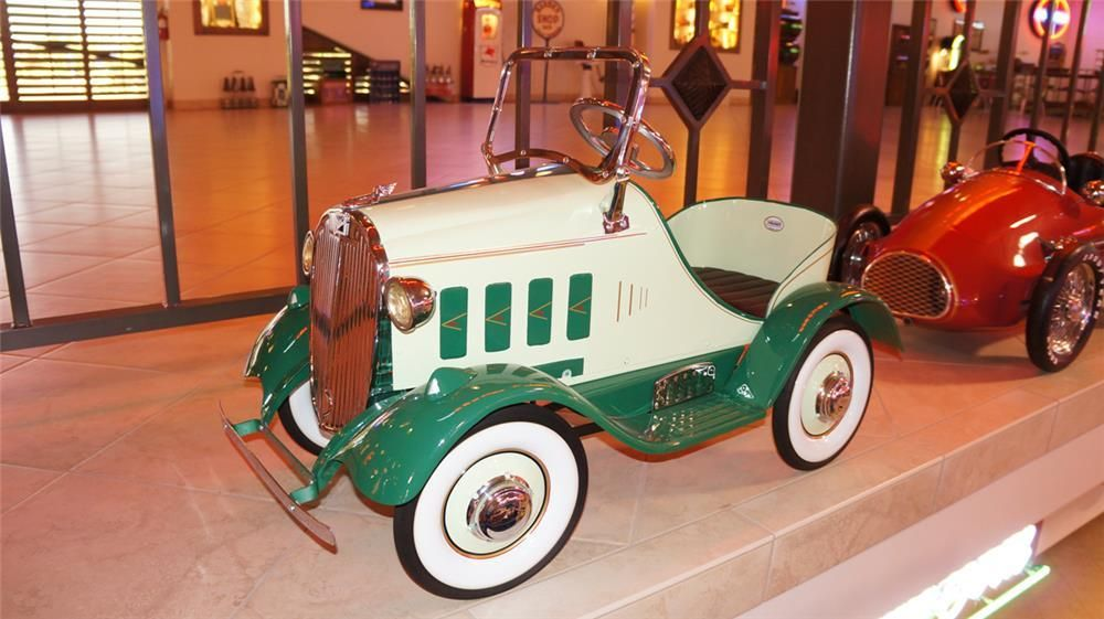 70 vintage pedal cars lead to record sale of automobilia collectibles