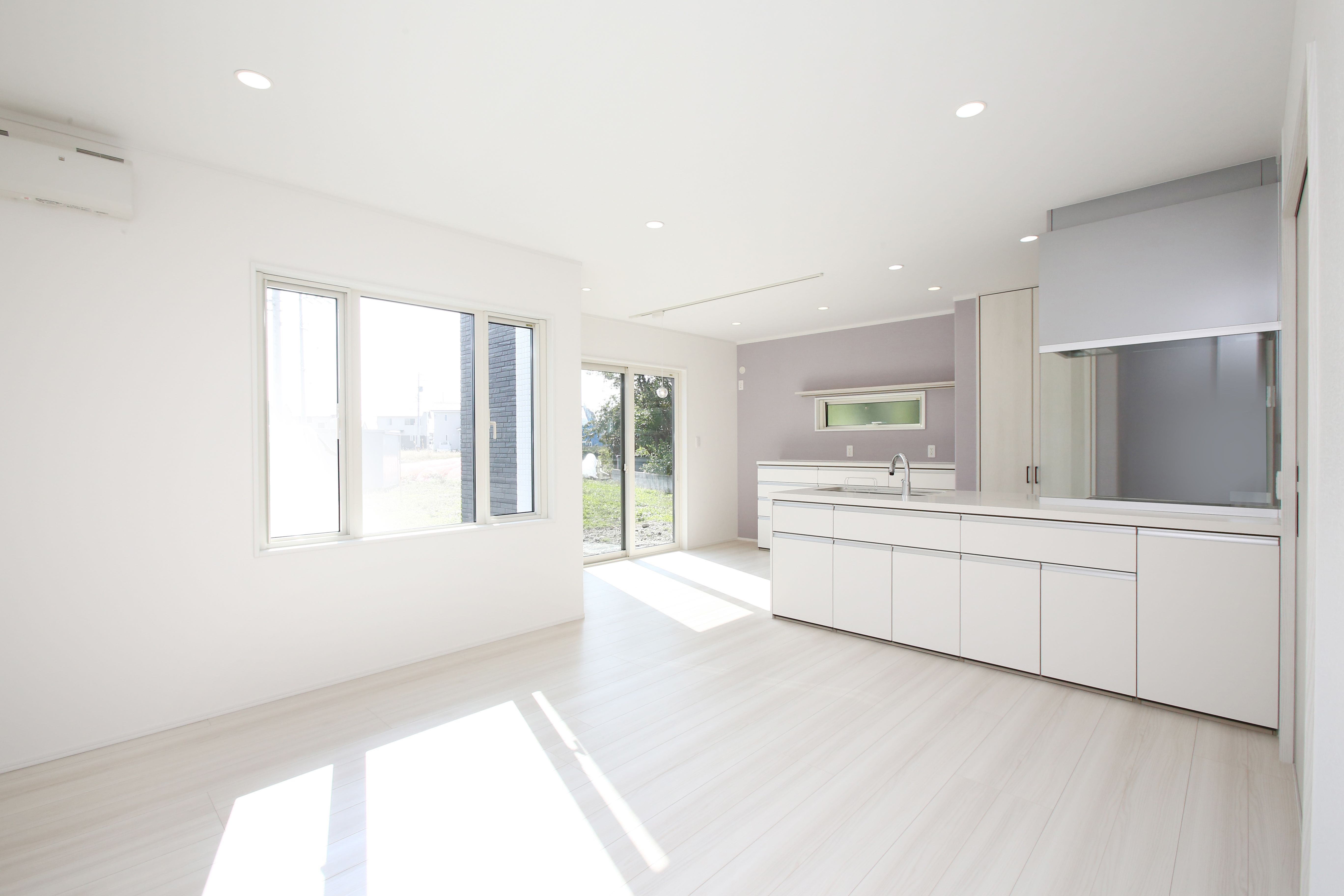 白基調の明るいldk 建築実例 Ldk リビング ダイニング キッチン