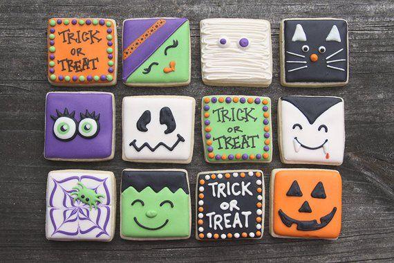 24 Mini Halloween Cookies / Halloween Favors / Halloween Sugar Cookies / Trick-or-Treat Gifts / Trick-or-Treat / Halloween Cookies #halloweencookies