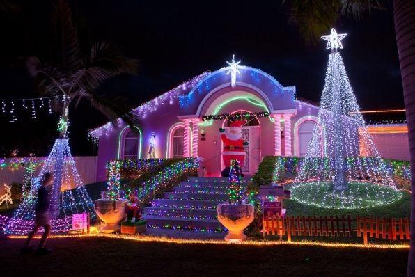 Christmas Holiday Light Yard Display Best Streets In Brisbane
