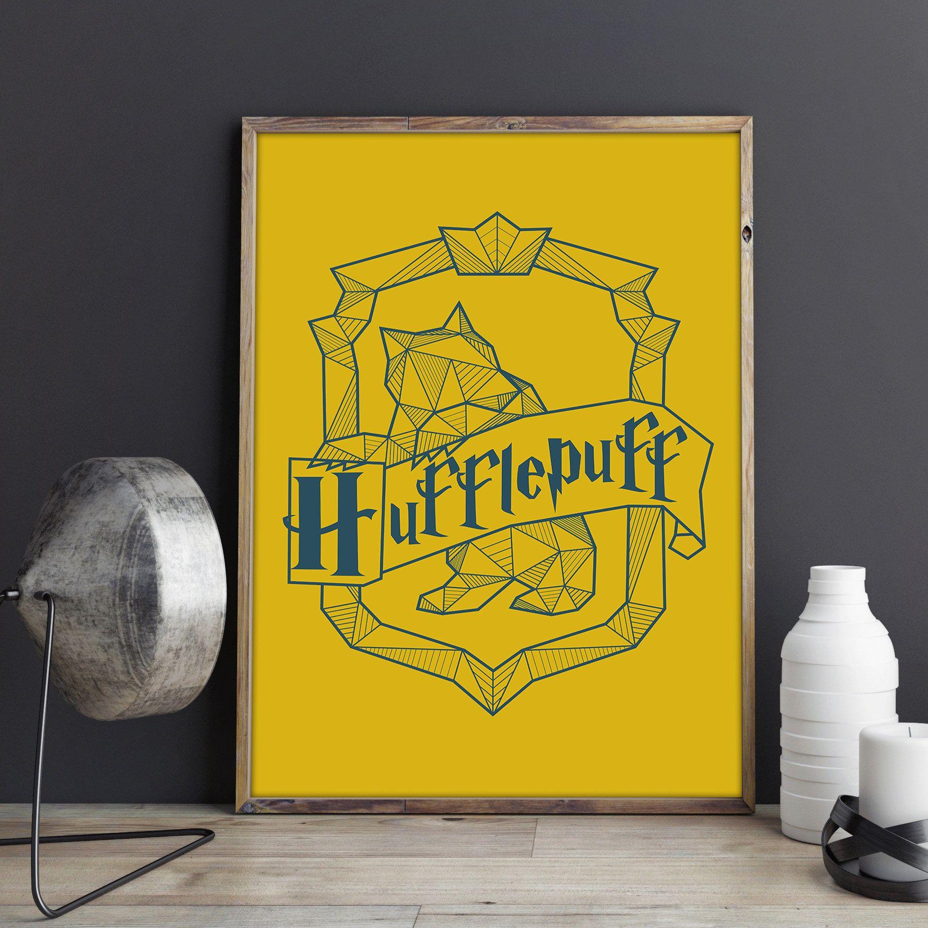 Harry Potter: Hogwarts Hufflepuff Crest Poster // Digital Print ...