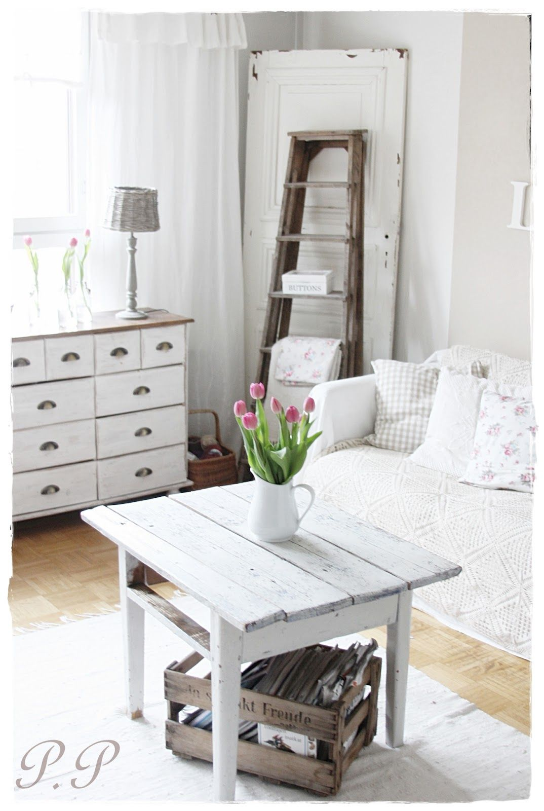 PIENI PILVENHATTARA | Farmhouse and fixer upper style | Pinterest ...