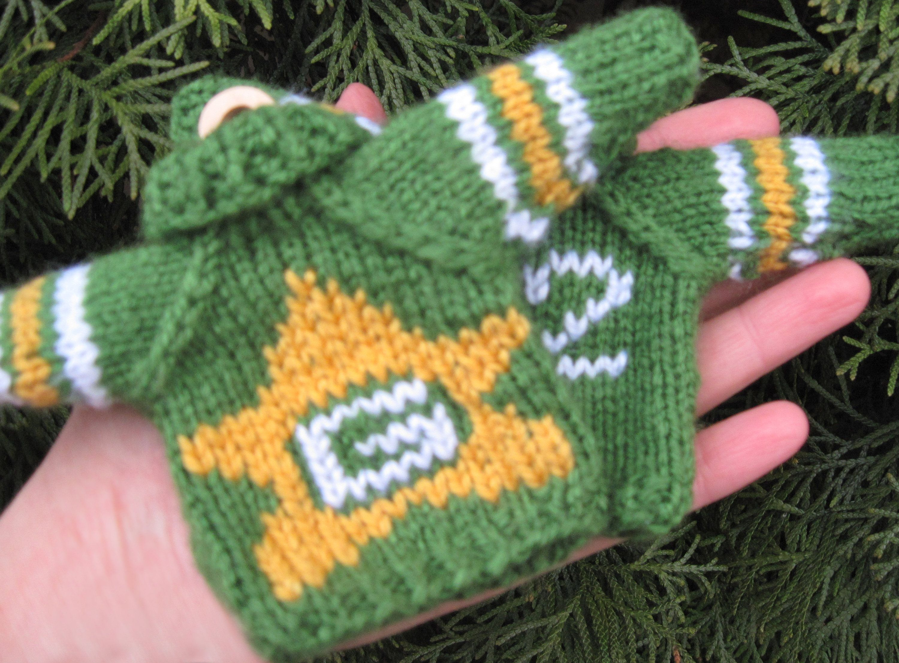 2 Mini Sweaters Ornament, Green Bay Packers Hand Knit