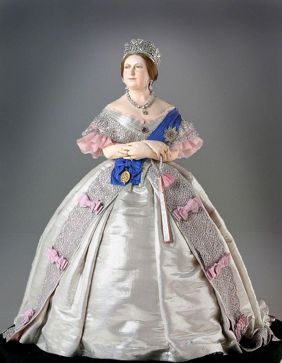 платья времен екатерины фото ярких