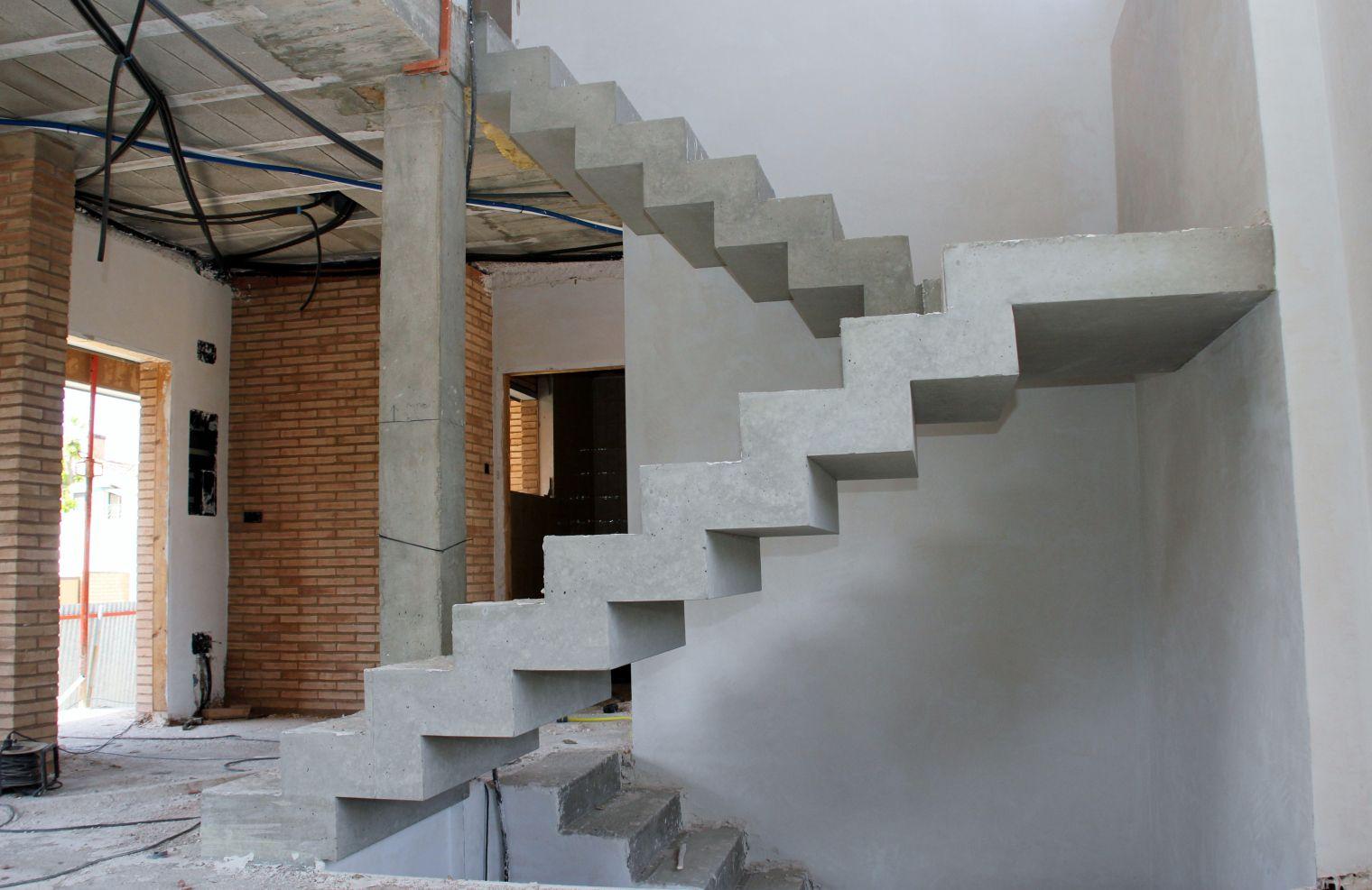 Escalera quebrada de hormig n visto escalera - Escaleras de hormigon ...