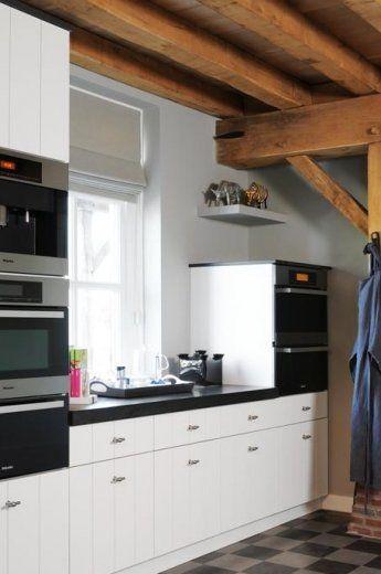 Maatwerk keukens van Cokoen. Door jarenlange ervaring weten wij een ruimte waar een keuken in moet komen efficiënt en stijlvol in te richten.