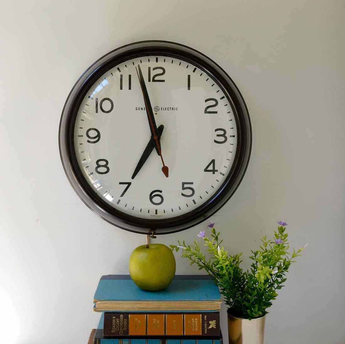 Vintage School Wall Clock By General Electric Schoolhouse Etsy Clock Wall Clock Vintage School