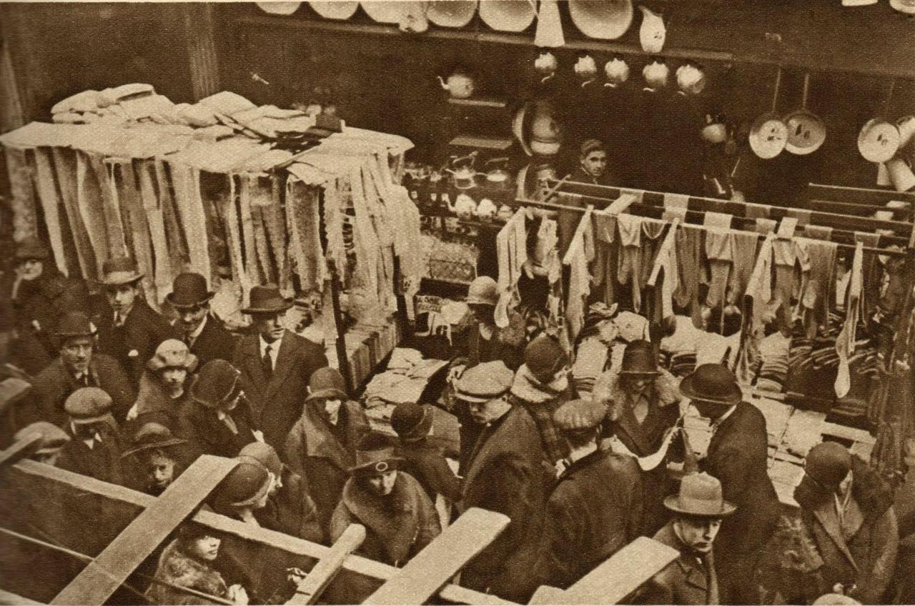 Berwick Street Market, Soho London, 1927