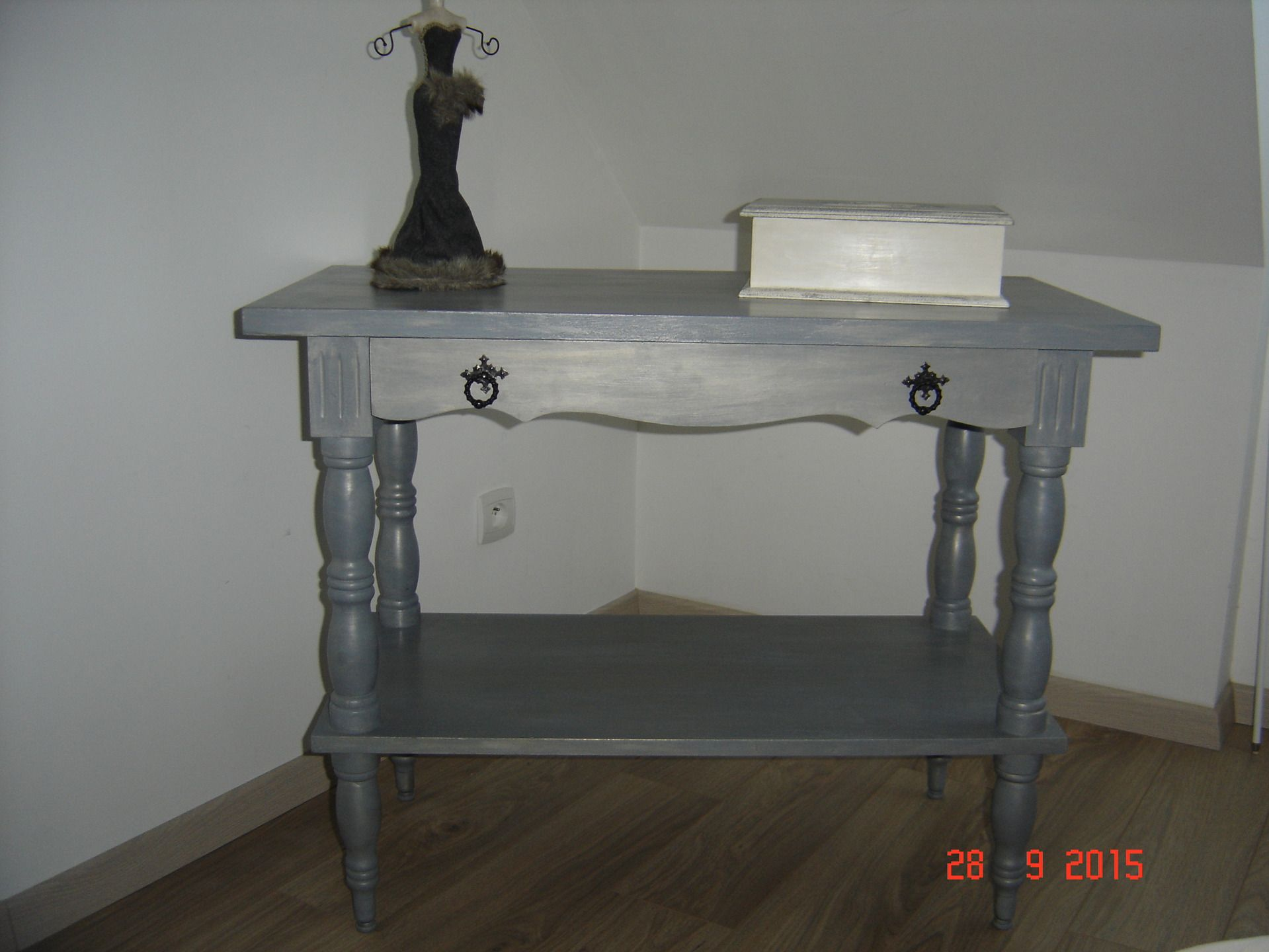 table console en bois gris gustavien patine argent pur meubles et rangements par patines. Black Bedroom Furniture Sets. Home Design Ideas
