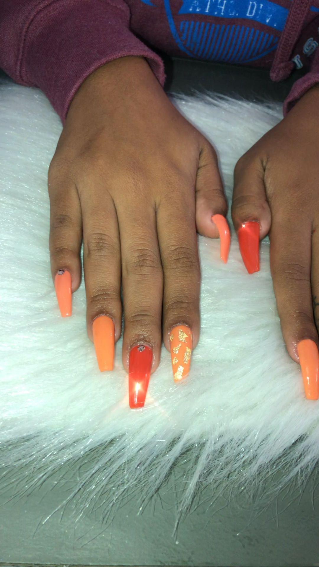 #fall #fallnails #orangenails #goldnails #longnails #apres #apresnails #fullset #diamondnails #accentnails #nailart #thebrand #thebrandnails #lanails #california #shinynails