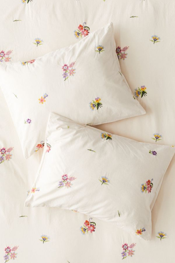 Georgine Embroidered Floral Sham Set In 2020 Floral Duvet Cover Duvet Covers Urban Outfitters Floral Duvet