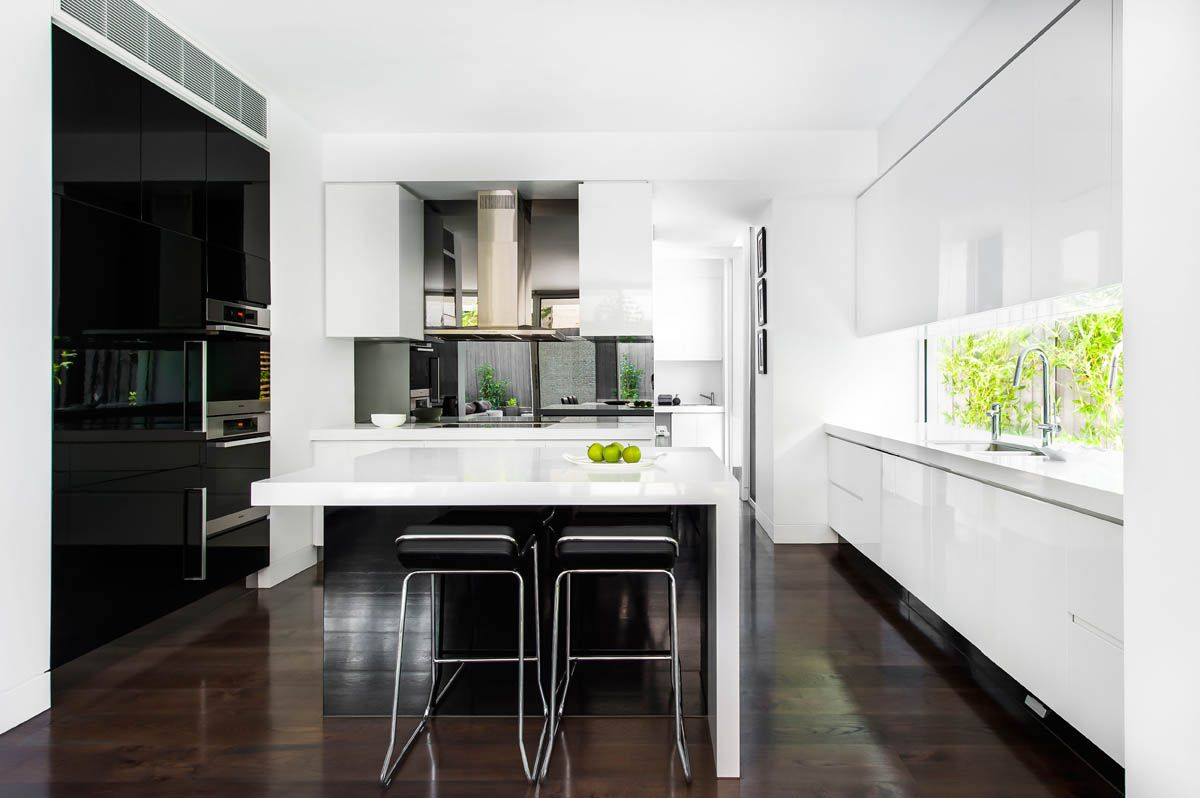 Island Bench With Only One Side Waterfall Schulberg Demkiw Architects 1141 Pure White Kitchen Design Kitchen Inspirations Kitchen Remodel