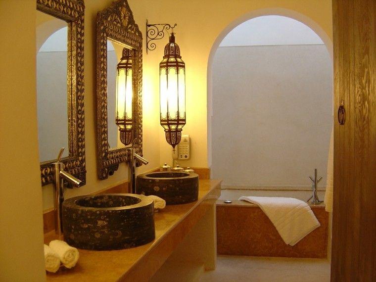 salle de bain marocaine jaune marron lampe miroir exotiques ...