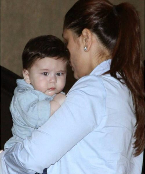 These Charming Photos Of Taimur With Mom Kareena At Laksshya S Birthday Steals The Show Kareena Kapoor Khan Taimur Ali Khan Kareena Kapoor