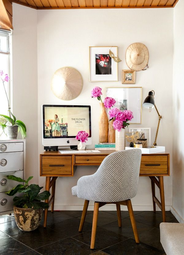 Beautiful Best Ways To Create A Home Office In Small Spaces | Recipes To Make | Small Home  Offices, Home Office Decor, Office Makeover