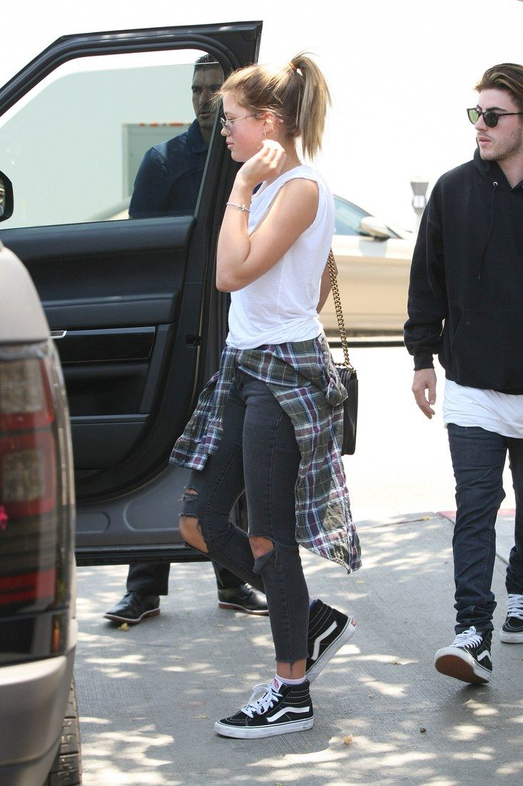 Grunge flannel outfits   Times We Wanted to Steal Sofia Richieus Outfit  Sofia richie