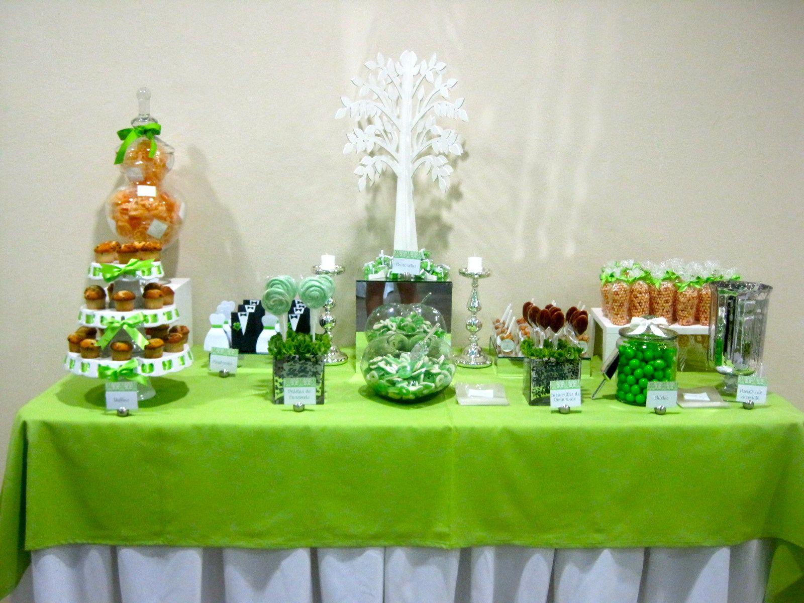 Mesa de dulces en verde boda mesa de dulces pinterest - Mesa de dulces para bodas ...