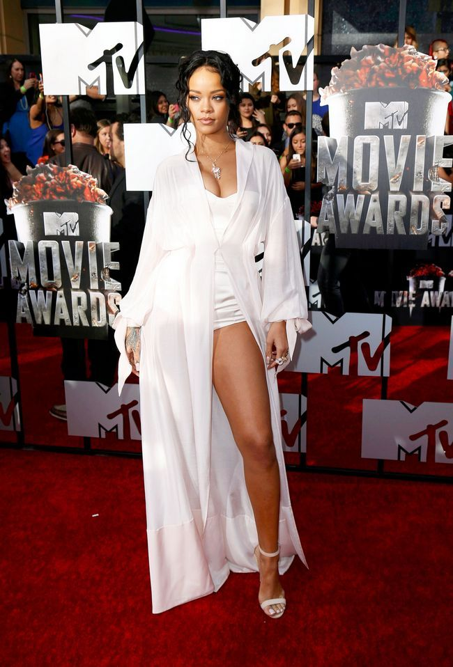Rihanna white robe