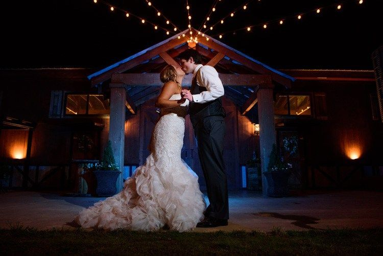 Tips For Using Off Camera Flash At Weddings Fun Wedding Photography Wedding Photography Wedding Photographers