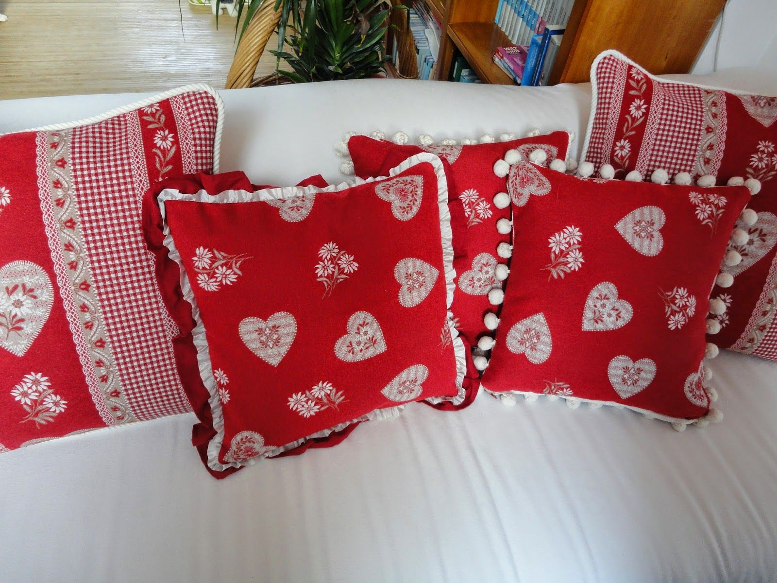Red holidays winter pillows
